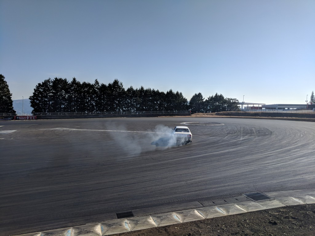 4 Door R34 making smoke